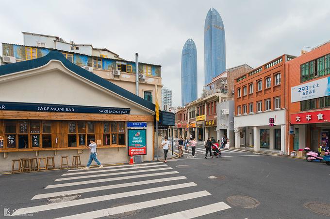 厦门:白鹭洲公园 > 西堤咖啡一条街 > 中山路步行街图片