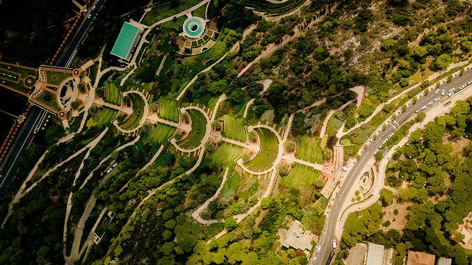 从卡梅尔山顶俯瞰巴哈伊空中花园图片图片
