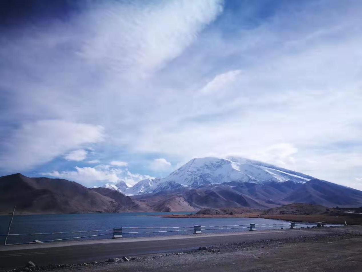 游玩白沙湖,领略新疆独特的高原湖泊