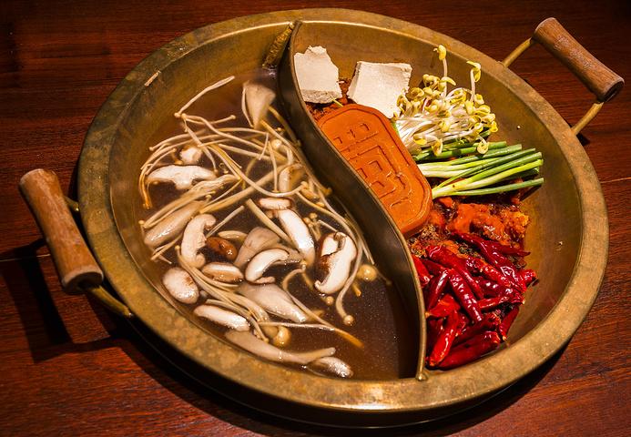 【红糖糍粑】吃火锅必点的一道配套菜品,是火锅最好的伴侣,外地也是吃