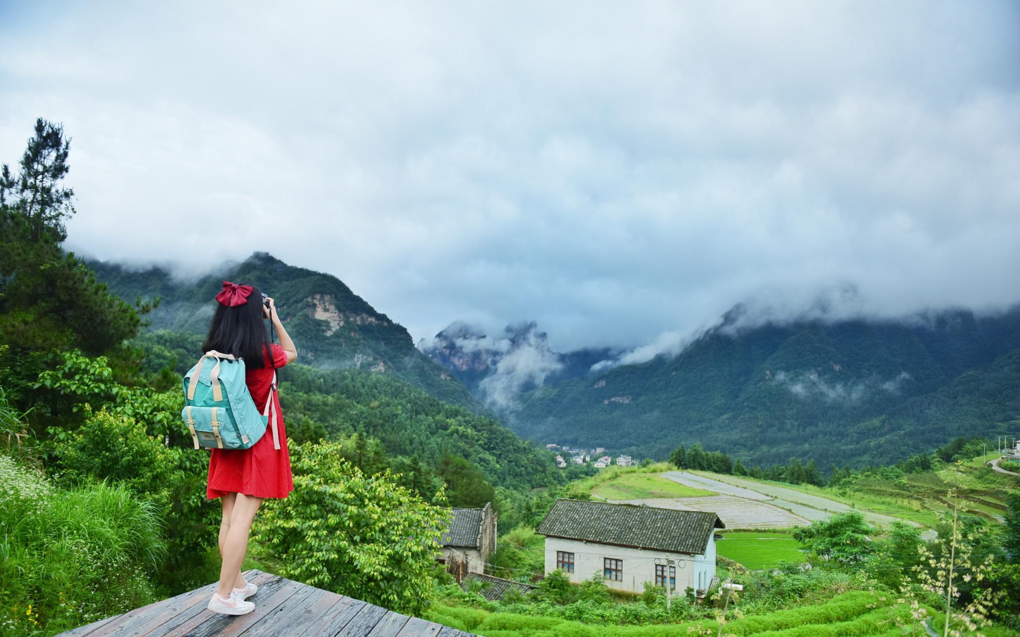 三天假,想躲进云里、山里、武陵源的梦里~