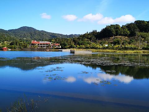 尖峰岭天池旅游景点图片