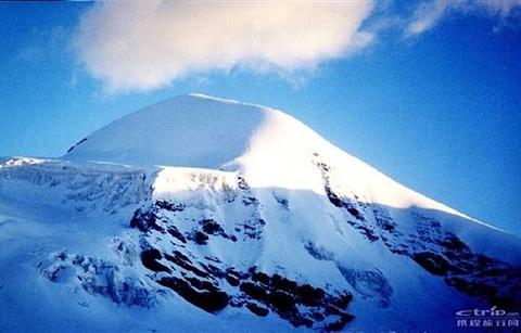 唐拉昂曲峰的图片