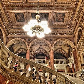 布达佩斯轻歌剧院
