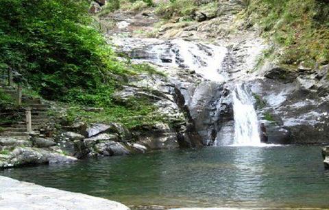 千家峒大泊水瀑布的图片