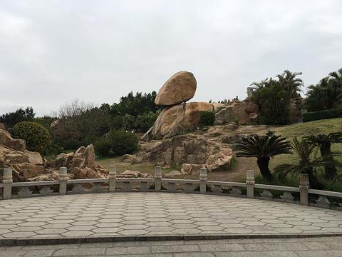 风动石旅游景点图片