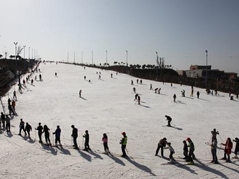 白鹿原滑雪场旅游景点图片