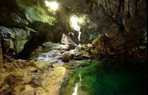 希纳达南岩洞