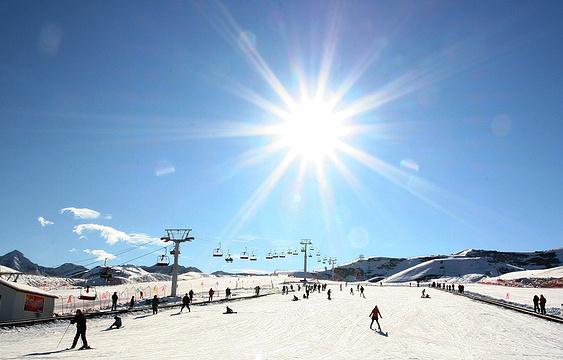 天山天池国际滑雪场旅游景点图片