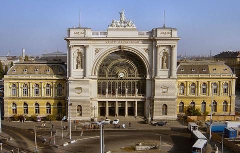 布达佩斯火车东站的图片