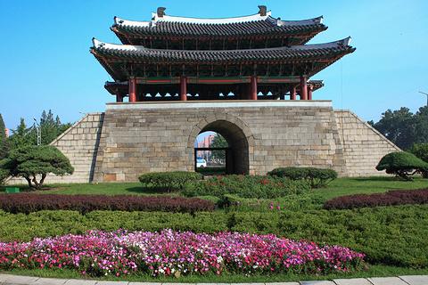 Kaesong Namdaemun