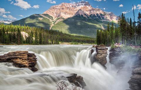 阿萨巴斯卡瀑布