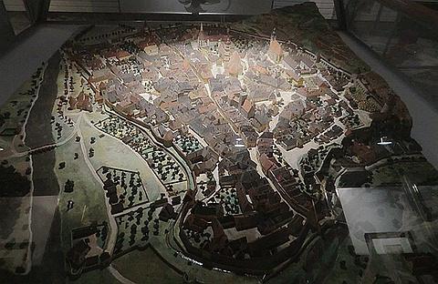 桥塔博物馆的图片