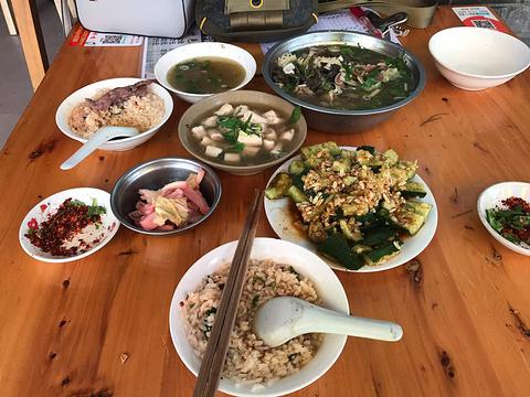 陈老三跷脚牛肉三十年老店旅游景点图片
