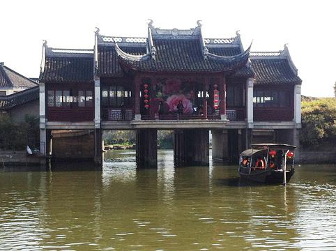 水上戏台旅游景点图片