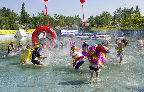 """""""水与争锋""""水上乐园的图片"""
