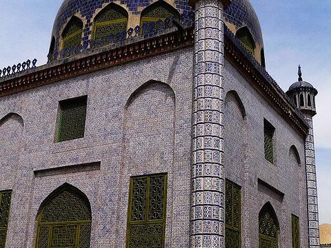 玉素甫·哈斯·哈吉甫墓旅游景点图片