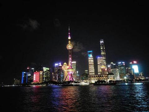东方明珠豪华浦江游船的图片