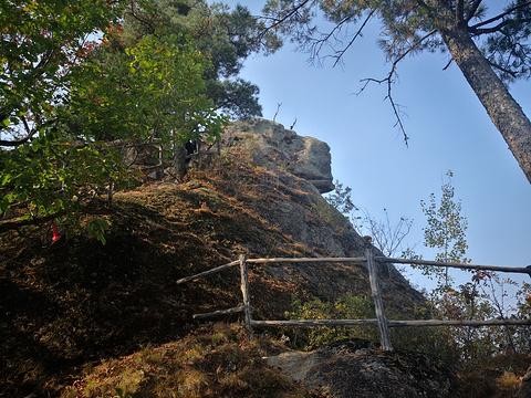 悬羊峰的图片