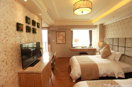 青桐城市酒店(成都宽窄巷子店)
