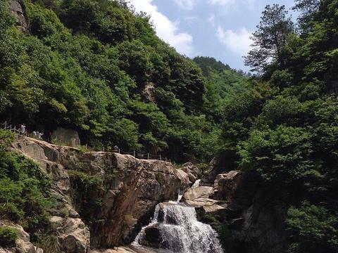 桐枧冲瀑布群风景区旅游景点图片