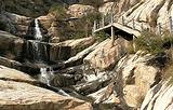 卢崖瀑布风景区