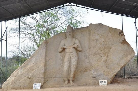 波洛罗摩婆诃一世石像旅游景点图片
