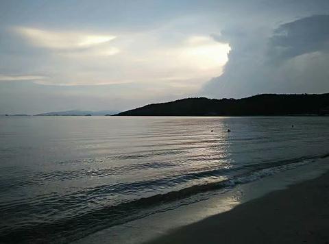 金银滩沙滩