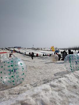 龙居桃花岛滑雪场