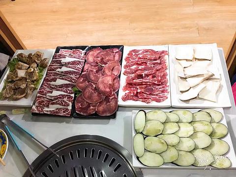 五花贞品朝鲜族炭火烤肉