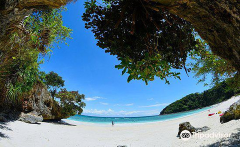 Lapuz-Lapuz Beach