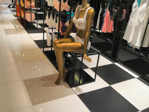 新中关购物中心旅游景点图片