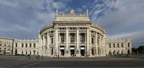 城堡剧院的图片