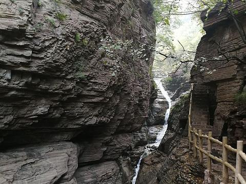 白龙瀑旅游景点图片