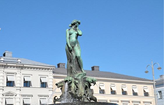 波罗的海的女儿雕像旅游景点图片