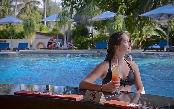泳池酒吧旅游景点图片