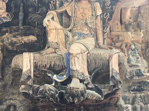 毗卢洞旅游景点图片