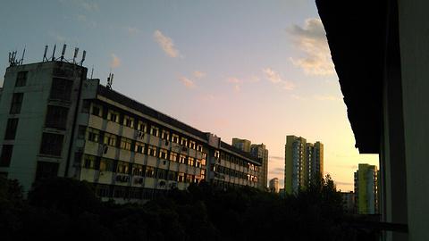 江西师范大学(青山湖校区)的图片