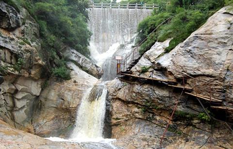 千尺珍珠瀑的图片