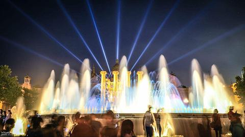 魔幻喷泉的图片