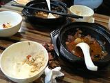 张吉记瓦香鸡黄焖鸡米饭