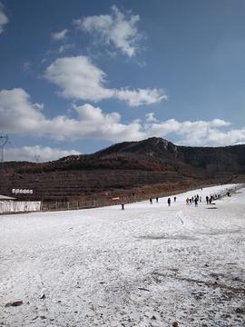 威虎山滑雪场