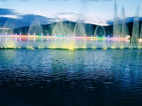 三山公园旅游景点图片