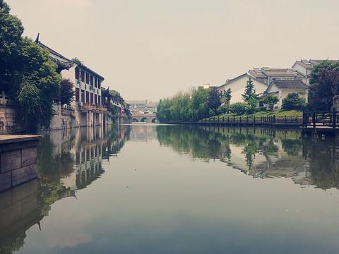 海盐县汽贸城名车广场旅游景点图片