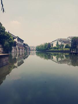 海盐县汽贸城名车广场的图片