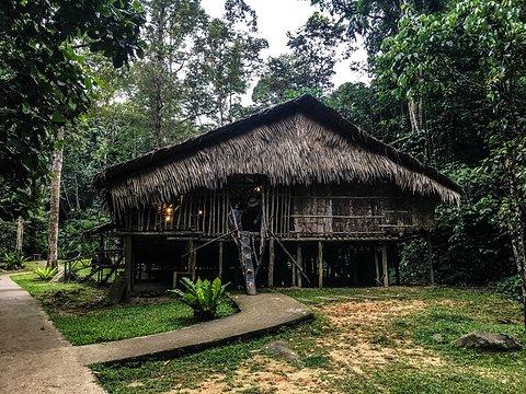 马里马里文化村