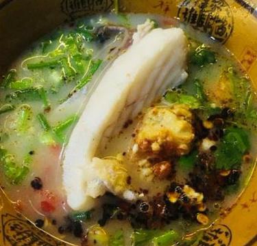 抚仙湖生态石锅鱼石锅鸡