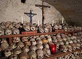 天主教堂和人骨室
