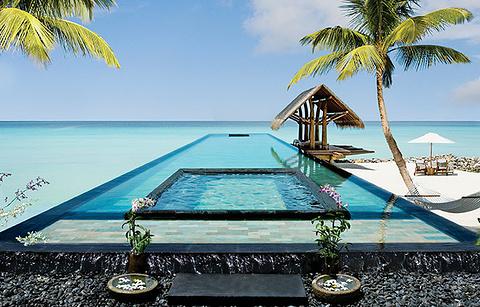 泳池和海滩