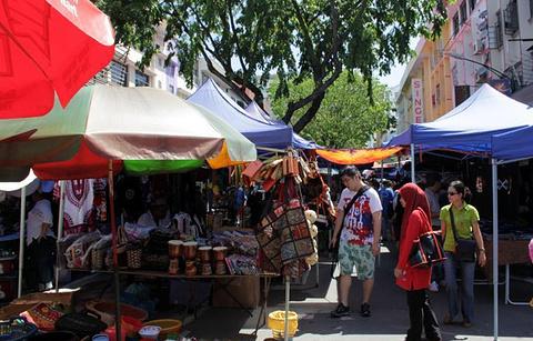 加雅周日市场